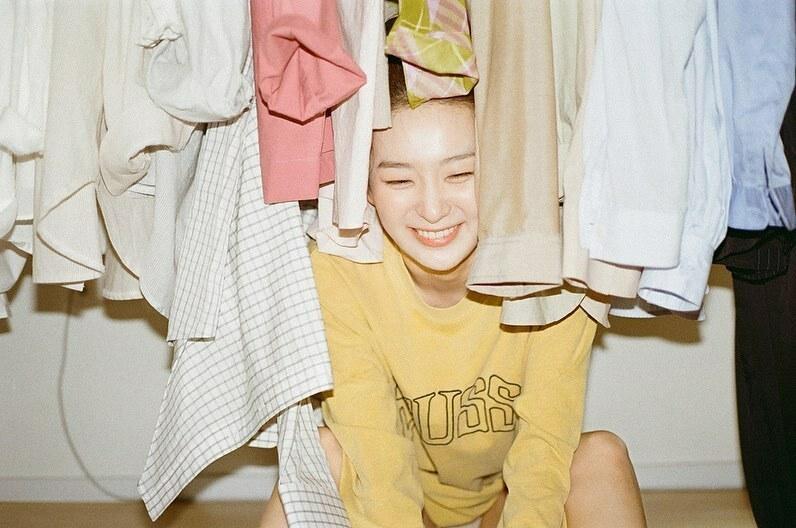 Fan mê mẩn nụ cười trẻ thơ của Seul Gi.