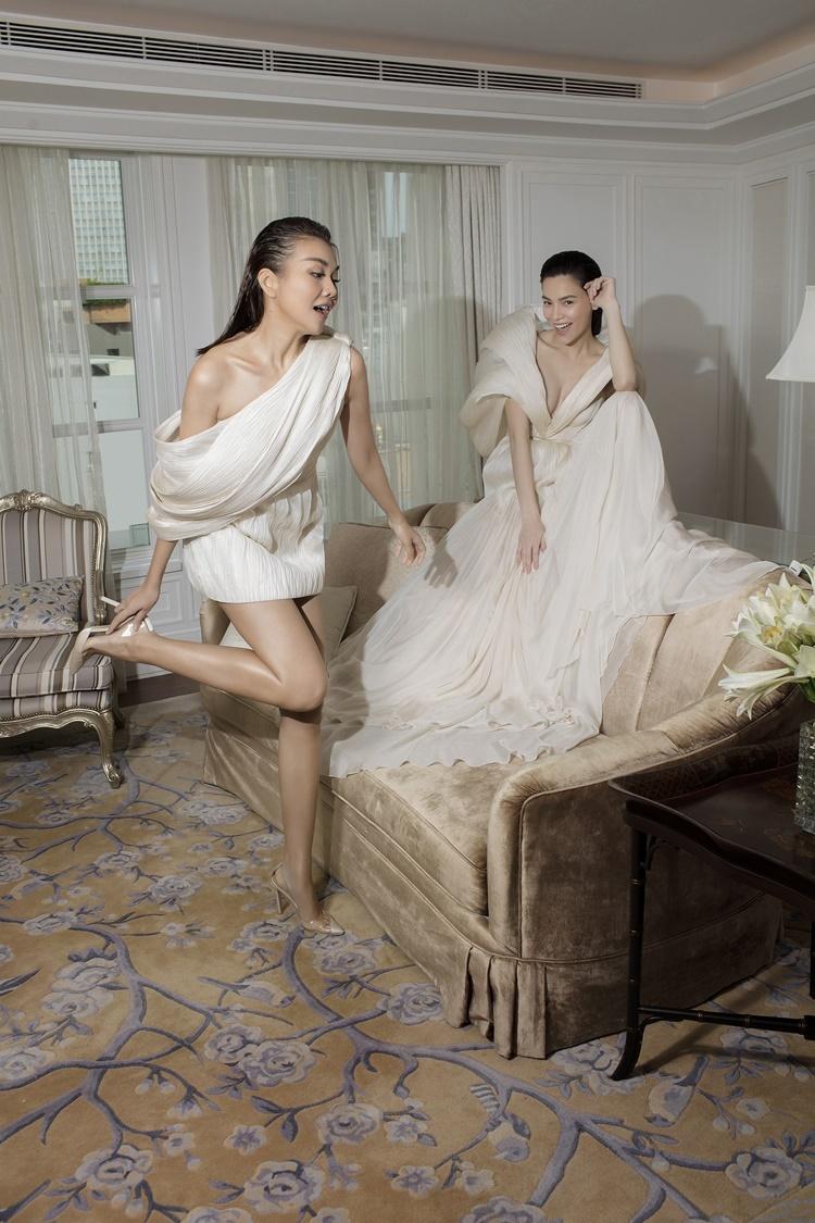 Công Trí tìm thấy sự đồng cảm trong tư duy nghệ thuật của Thanh Hằngvà Hồ Ngọc Hà, rồi cùng cặp đôi khai mở những khía cạnh khác nhau của thời trang duy mỹ.