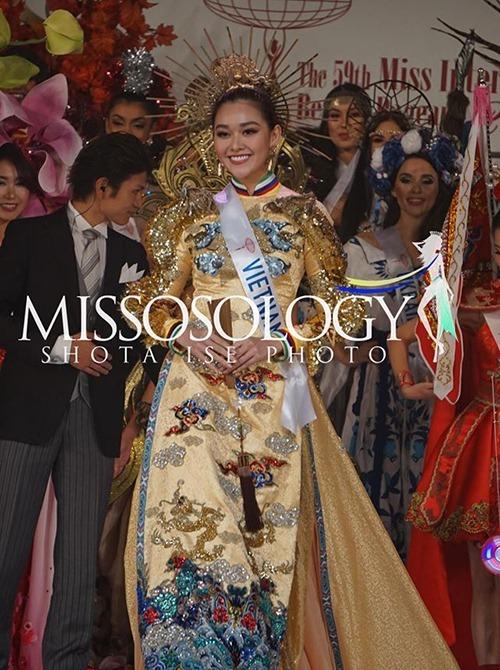 Trong đêm chung kết Miss International 2019, diễn ra trưa 12/11 (giờ Hà Nội), bộ quốc phục giúp Tường San được gọi tên là người chiến thắng Best National Costume. Đây là lần thứ hai đại diện Việt Nam giành giải thưởng này ở Miss International.