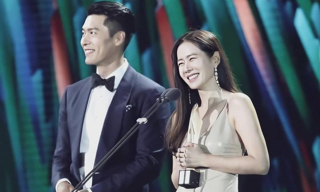 Hyun Bin và Son Ye Jin nhận giải do fan bình chọn.