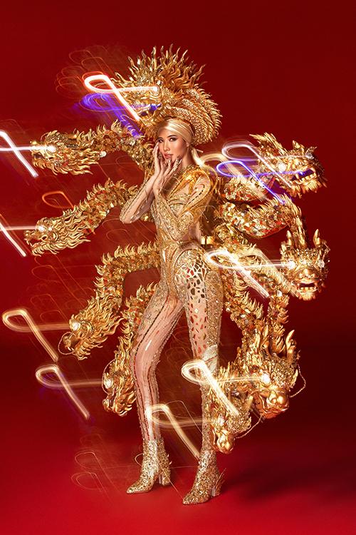 Hoàng Thùy chê cả ba bộ quốc phục ở Miss Universe - 5