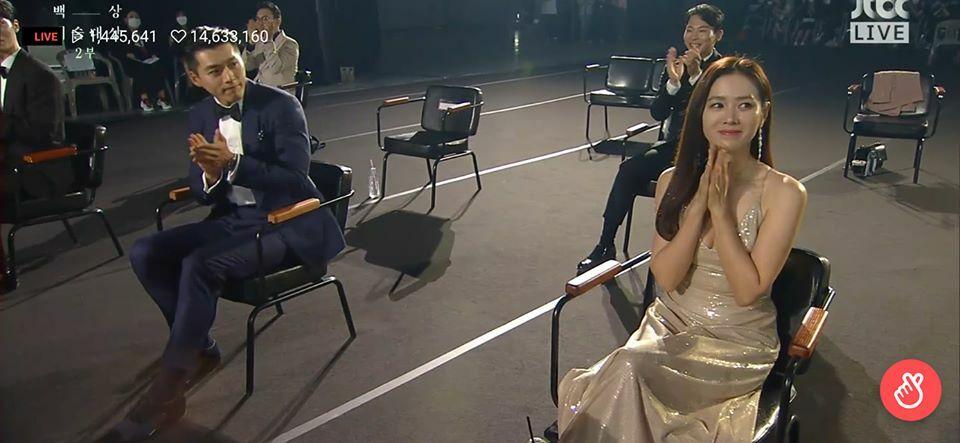 Dù là 6 năm trước hay bây giờ, Son Ye Jin vẫn nhìn Hyun Bin say đắm - 4