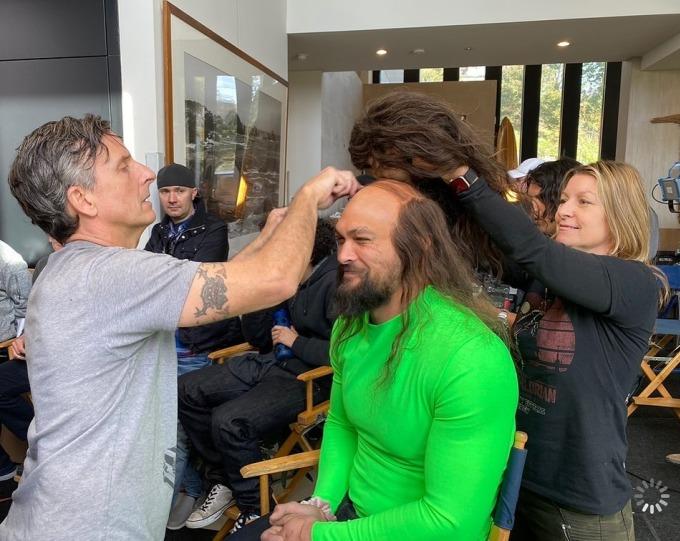 """<p>""""Aquaman"""" Jason Momoa được thử diện mạo đầu hóikhi đóng quảng cáo cho Super Bowl.</p>"""