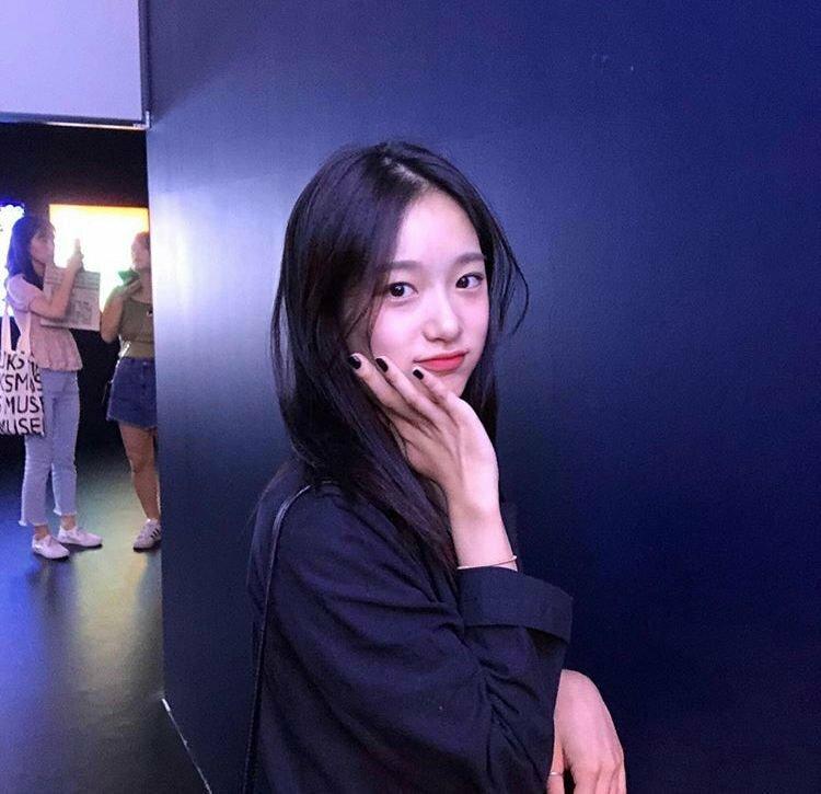 Ở độ tuổi 18, Seung Hee hứa hẹn là một mỹ nhân đầy tiềm năng của Kbiz trong tương lai.