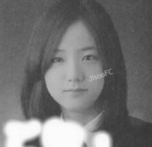 Ji Soo: Ngày bé thường thường, càng lớn càng trổ sắc - 6