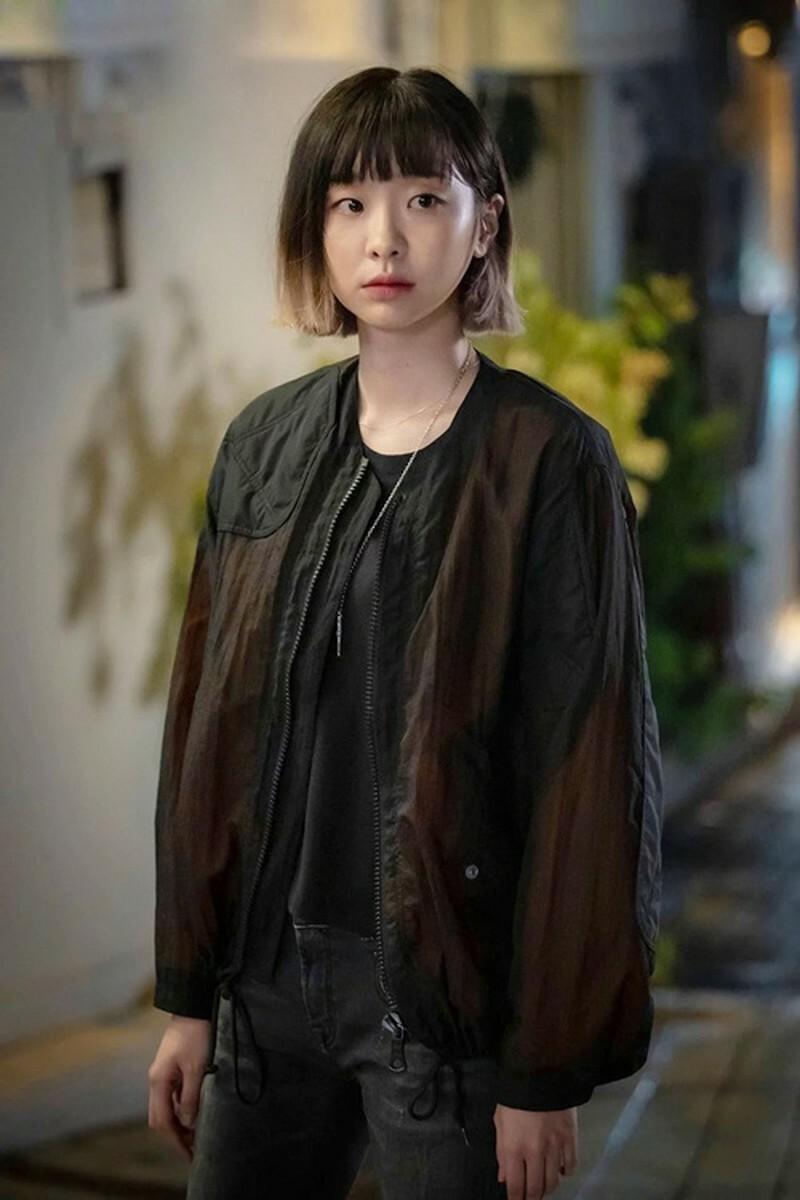 Điên nữ Jo Yi Seo với cá tính ngang tàng, nghĩa hiệp.