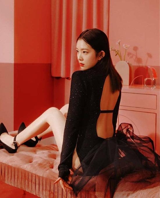 Irene gây xôn xao khi diện đồ hở bạo trong teaser mới của nhóm nhỏ  Irene & Seul Gi.