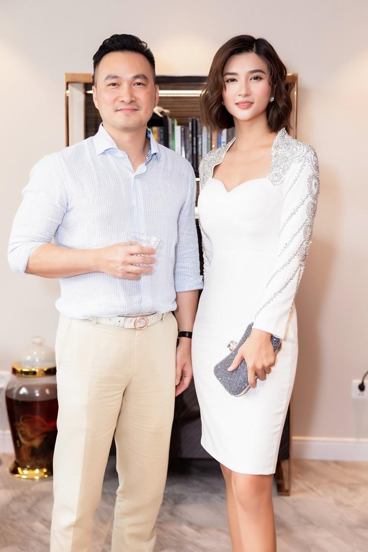 Kim Tuyến thời mới vào nghề được Chi Bảo hướng dẫn, chia sẻ về kỹ năng diễn xuất.