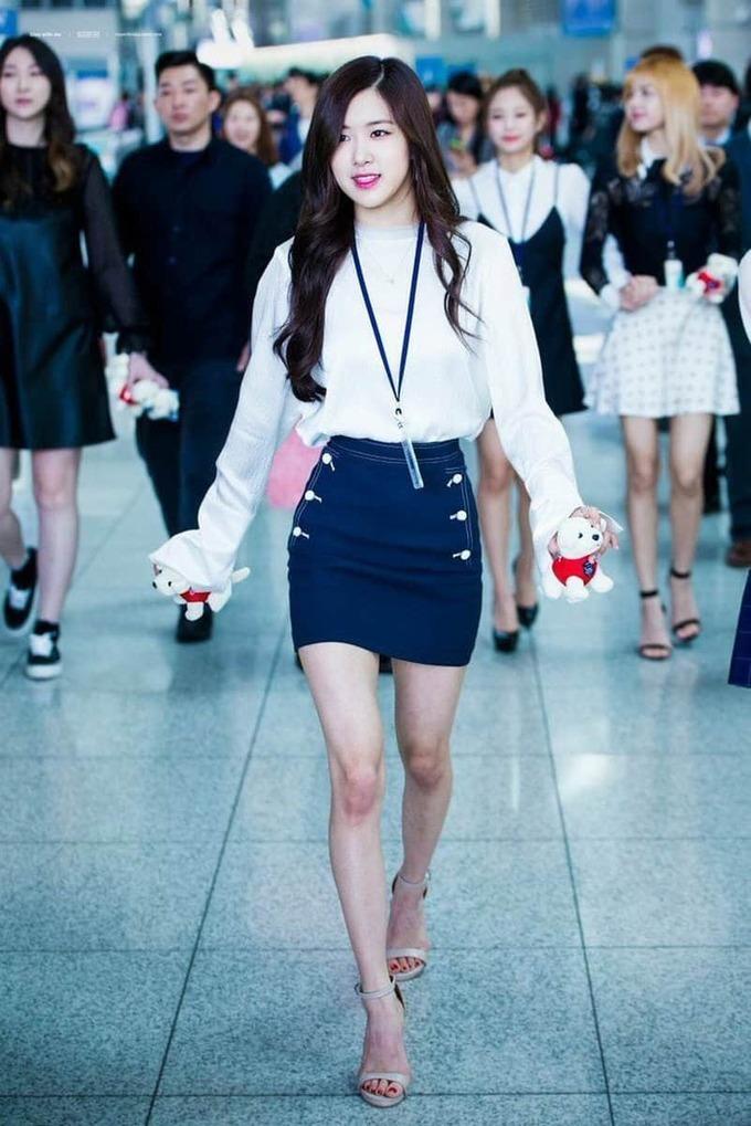 Rosé - Jang Won Young: Hình thể chuẩn hay chỉ còn là da bọc xương - 4