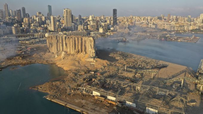 Một góc thành phố cảng Beirut nhìn từ trên cao.