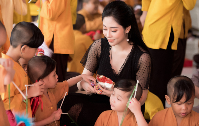 Tô Diệp Hà sinh năm 1996, quê gốc Quảng Ninh, từng tham gia Ms Vietnam Beauty International Pageant 2018 và đoạt giải Hoa hậu tài năng.
