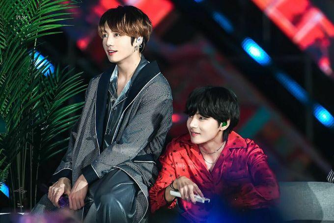 Hai idol có visual nổi bật trong đội hình BTS.