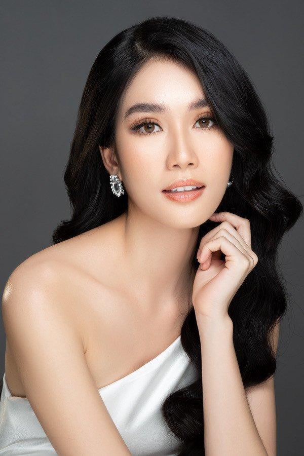 Trong 35 thí sinh lọt vào chung kết Hoa hậu Việt Nam 2020, Phạm Ngọc Phương Anh là ứng viên nặng ký cho ngôi vị cao nhất. Ngoài nhan sắc thanh thoát và hiện đại, người đẹp còn được khen là mỹ nhân học giỏi nhất Hoa hậu Việt Nam 2020 với bảng thành tích ấn tượng.