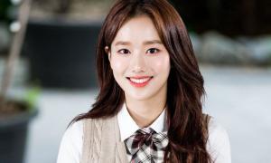 Na Eun bị xóa khỏi các show giải trí và bị hàng loạt thương hiệu hạ hình ảnh sau scandal.