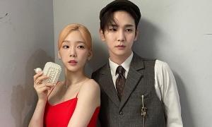 Krystal khoe góc nghiêng sắc sảo; Kim Min Joo đầy thần thái trong ảnh chưa chỉnh sửa; Arin mặc đồng phục xinh xắn.